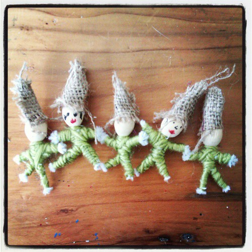 A working crew of elves...