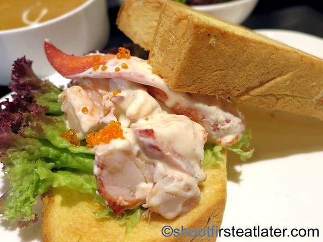 Boston lobster, shrimp roe dressing on brioche