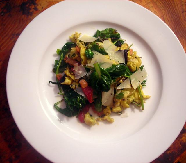 Insalata uovo e carne secca