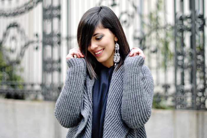 Grey cardigan + Gioya Bijoux contest winner
