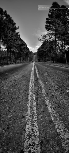 The longest road...VIñales Pinar del Rio by Rey Cuba