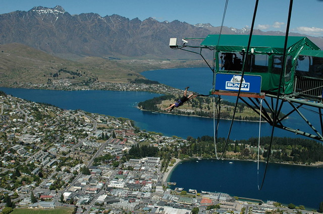 Bungee jumping Queenstown