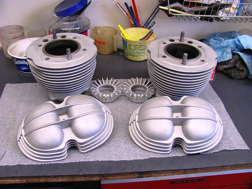 Bead Blasted Cylinders, Valve Covers and Exahaust Nuts