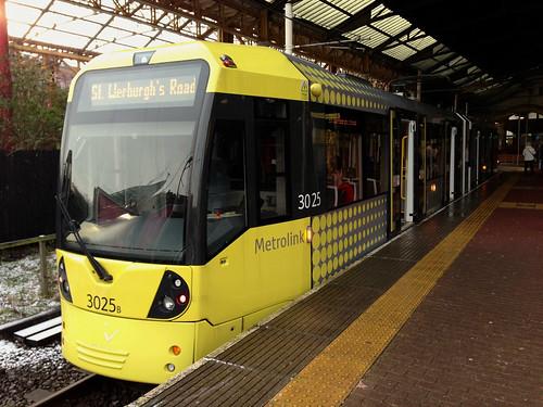 Metrolink 3025 at Victoria