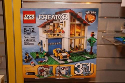 31012 Family House 1