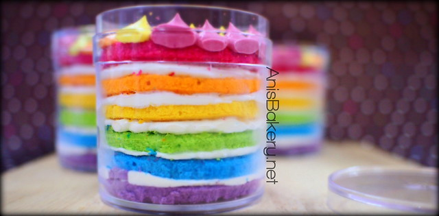 Doorgift | Mini Rainbow Cake by #anisbakery