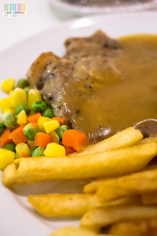 มื้อเล็กๆ - สเต็กหมูพริกไทยดำ