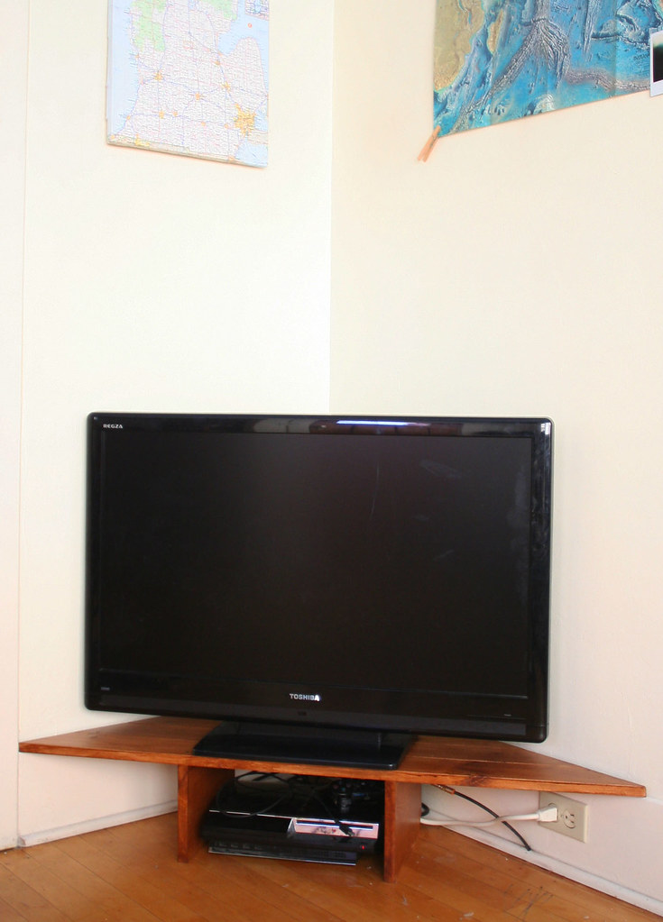 tv stand vertical
