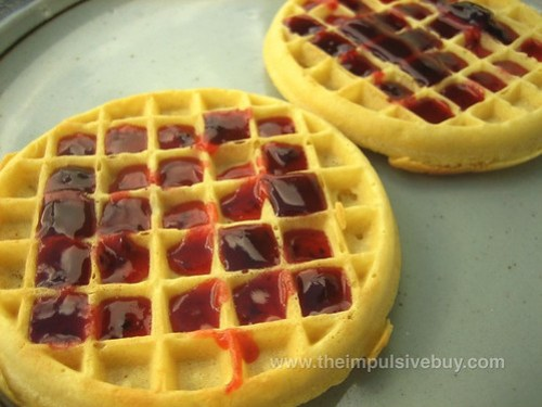 Kellogg's Eggo Strawberry Drizzlers Closeup