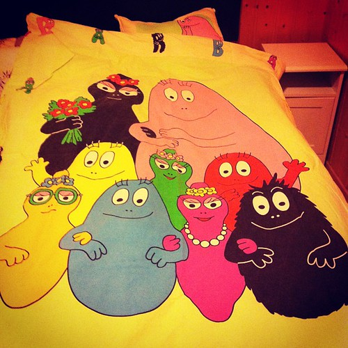 The bed is made! #barbapapa #barbafamily #bedsheets