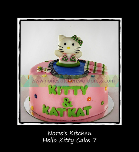 Norie's Kitchen - Hello Kitty Cake 7 by Norie's Kitchen