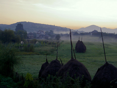Amanecer en Maramures (Rumanía)