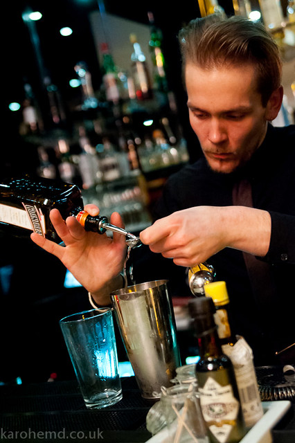Joe from Alimentum creates a cocktail