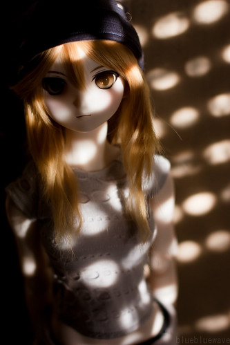 Tsukiko in the shadows
