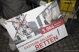 East Side Gallery retten auf change.org/eastsidegallery
