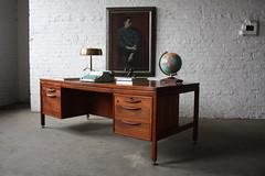Epic Jens Risom Mid Century Modern Walnut Excecutive Desk (U.S.A. 1960's)