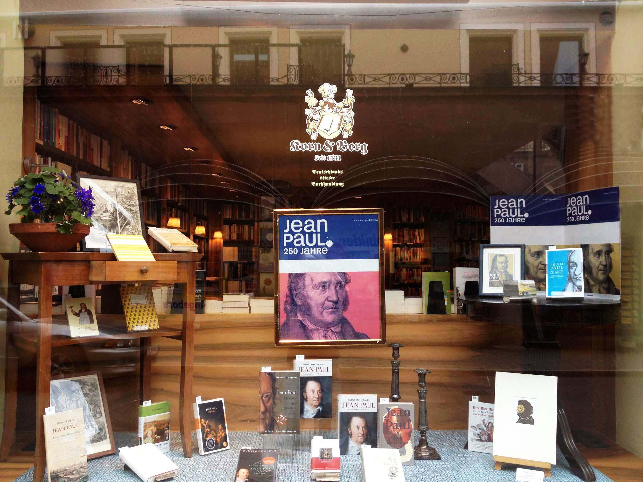 Jean-Paul-Schaufenster in Deutschlands ältester noch bestehender Buchhandlung Korn & Berg, Hauptmarkt 9 in Nürnberg, März 2013