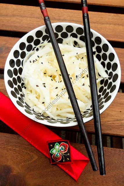 Salade de chou blanc à la japonaise / Japanese Style White Cabbage Salad