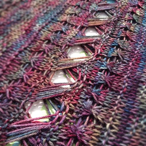 Vitamin C by @rockandpurl knit in @fyberspates vivacious, blocking in the sun