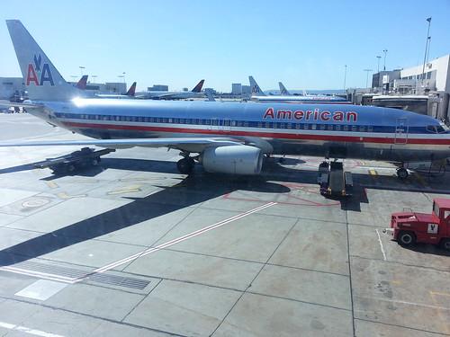 American 737 at LAX