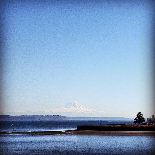 California, I love you but this is what you are missing! #mountains #rainier