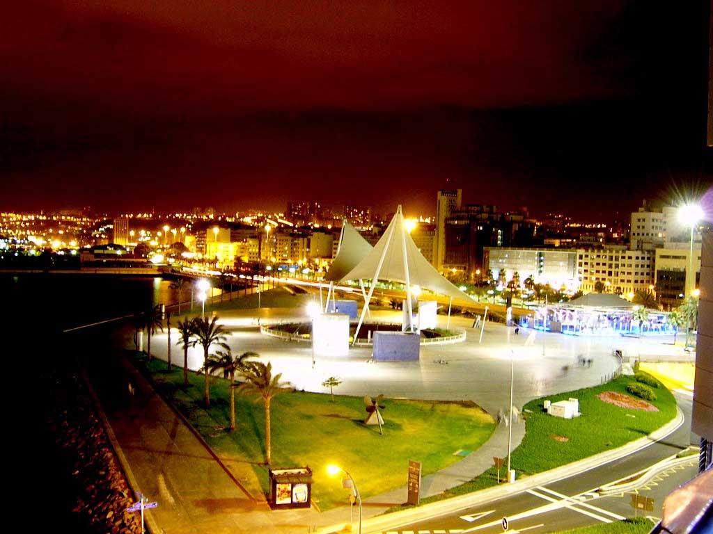 m Las Palmas @  Night 1