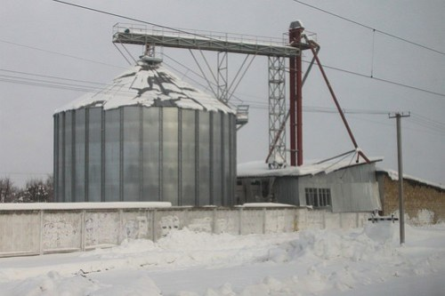 Steel grain silos at Popilnia (Попільня), Ukraine