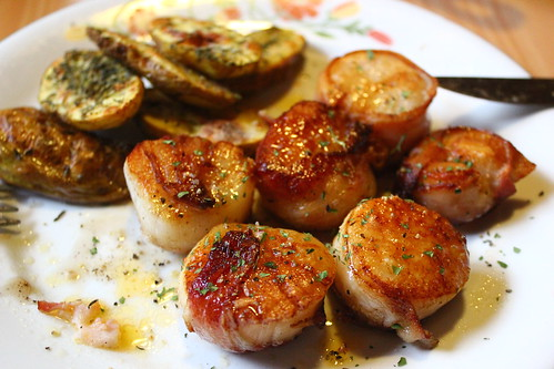 bacon-wrapped scallops with chili butter. oh my.