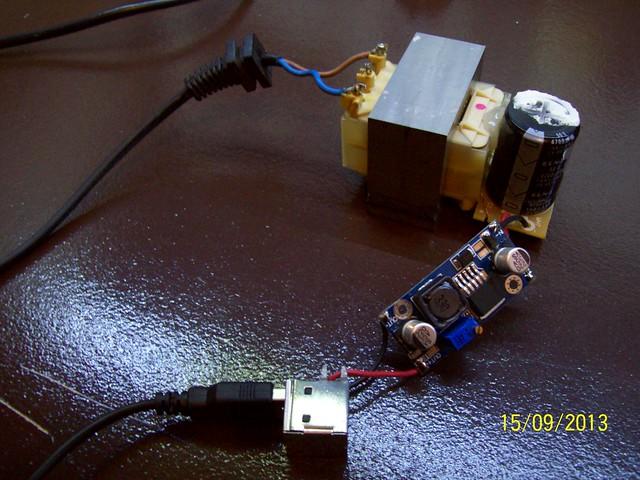 Tot el muntatge sencer, de l'endoll a l'USB