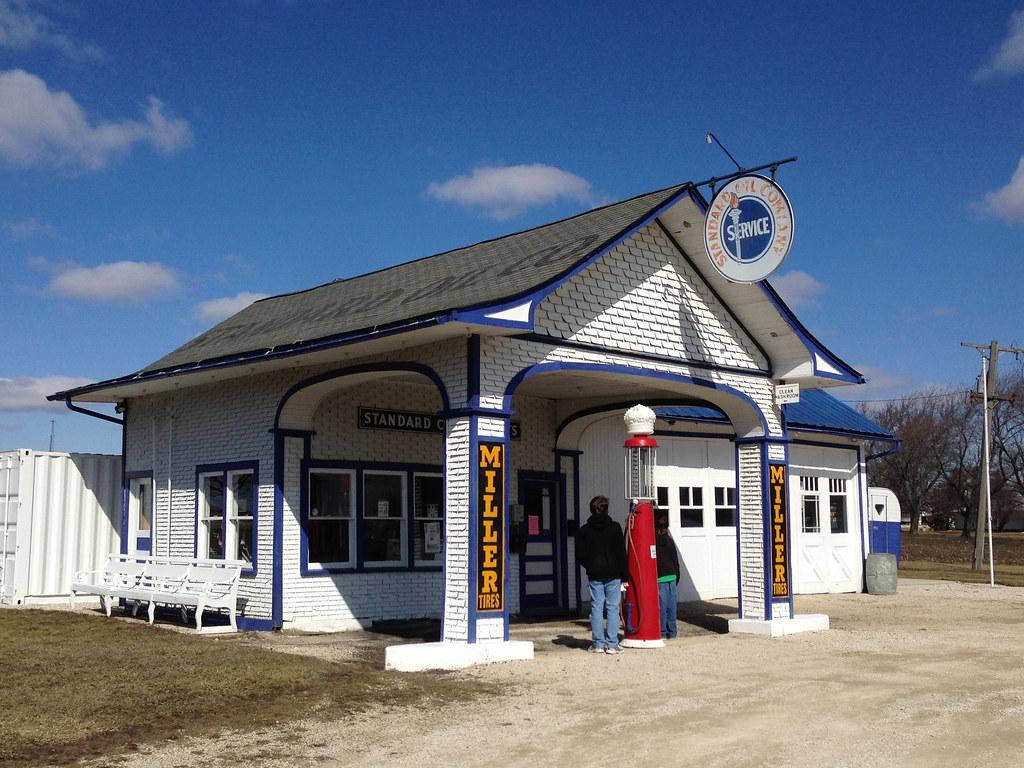1932 Standard Station