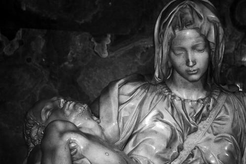 5 Pietà (Michelangelo)