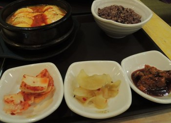Loving Hut - Tofu hotpot
