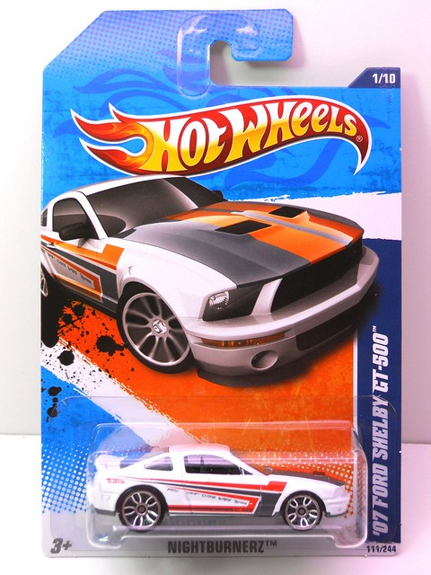 hot wheels '07 ford shelby gt-500 wht (1)