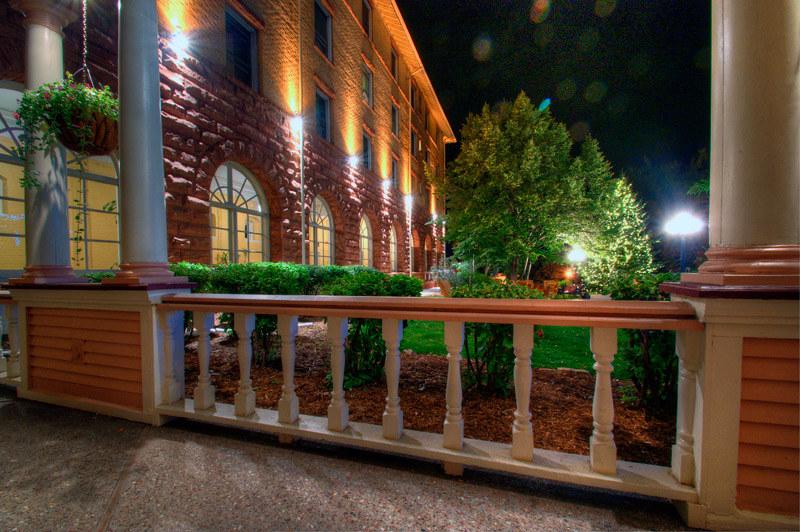 Courtyard, Hotel Colorado, Glenwood Springs