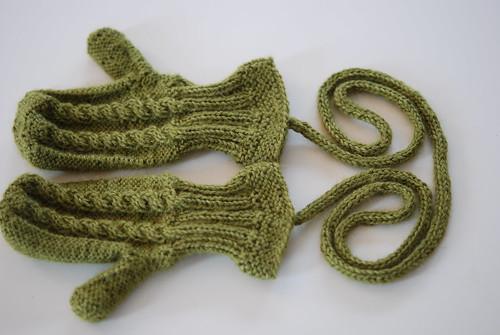Baby mittens in Alpaca