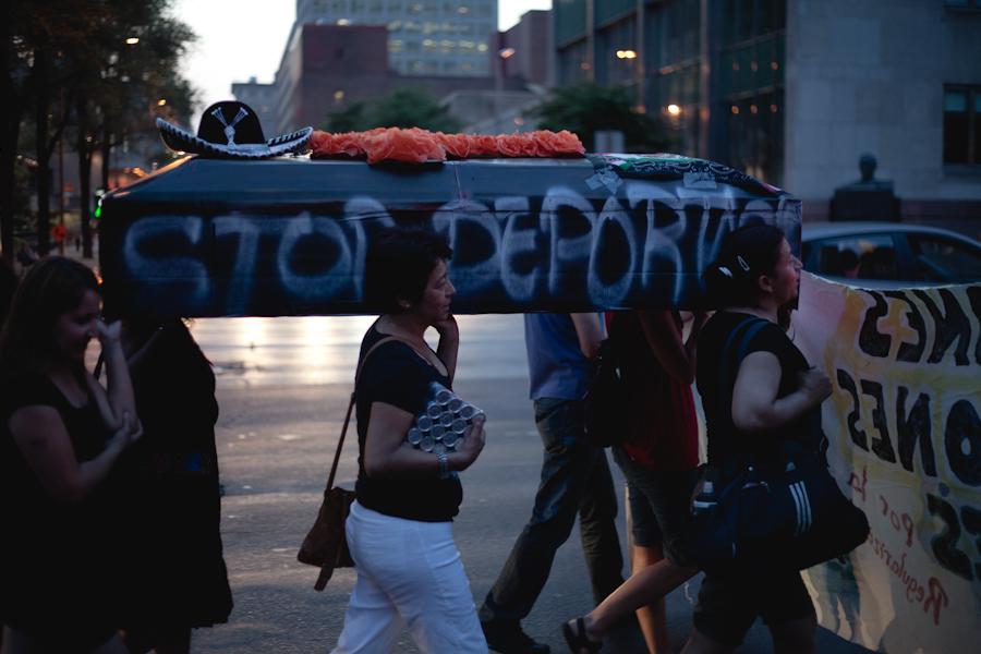 Caserolazo y vela en Solidaridad Montréal- México [photos Thien V]