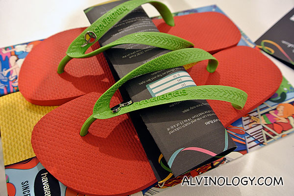 Alvinology Havaianas! With a peace guitar and a pair of shades to chill