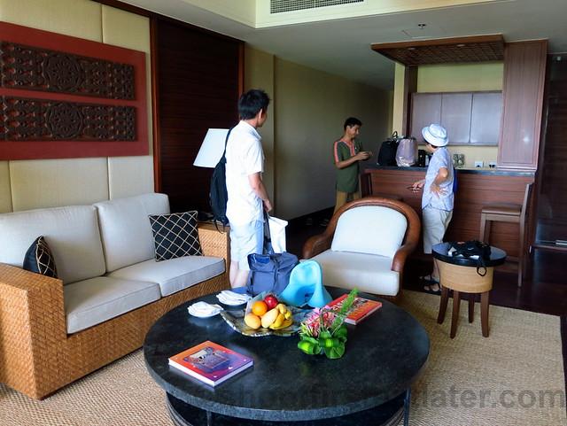 Shangri-La's Boracay Resort & Spa- seaview suite-001