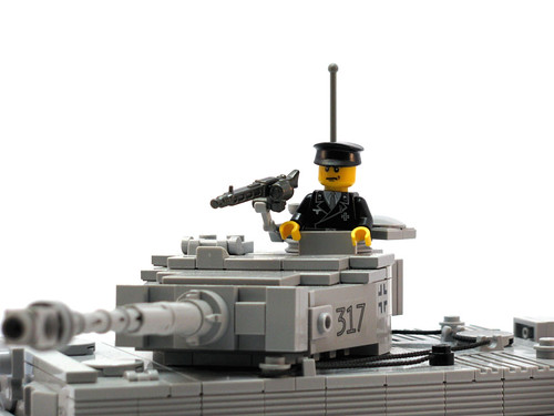 BRiCKiZiMO panzer officer minifig