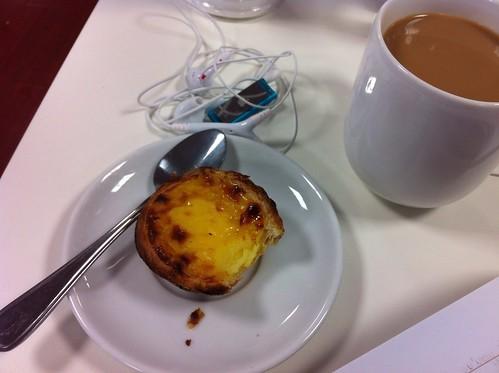 Portuguese custard tart (pastel de nata) & coffee