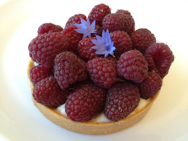 Fresh raspberry tart - Tartine Bakery