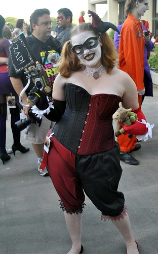 Steampunk Harley Quinn at Dragon*Con 2012, during the Gotham City Photo Shoot