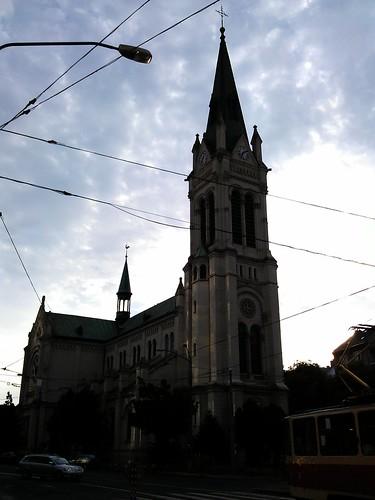 Día 5: Eslovaquia (Bratislava: barrios residenciales comunistas, pirámide invertida, Aeropuerto, etc).