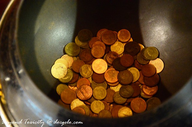 coins in a bowl, wat pho