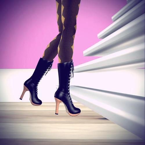 nomnom jackal shoes