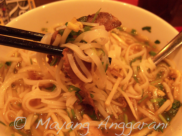 Vietnamese Beef Pho, with assorted rice noodles and clear broth