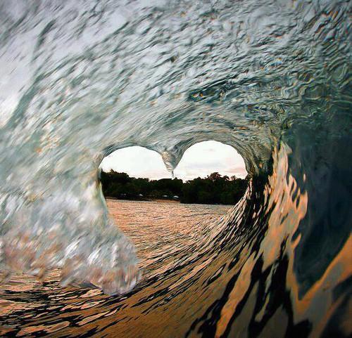 Lovely Sunday Waves