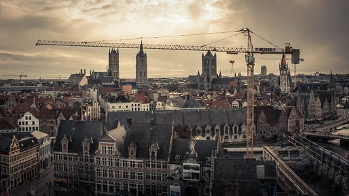The Towers and the Crane (Gand, Belgique) - photo : Gilderic