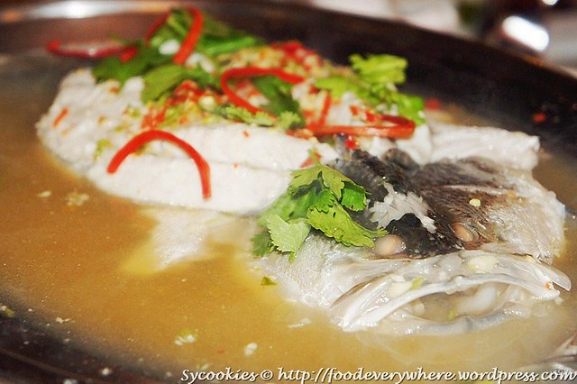 6.Pla Kapong Nueng Manow- Steamed Siakap with Lime and Chilies RM 47.90@goodevening bangkok (1)