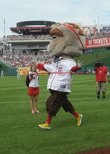 Teddy Roosevelt Wins his first Nationals Presidents Race - October 3, 2012